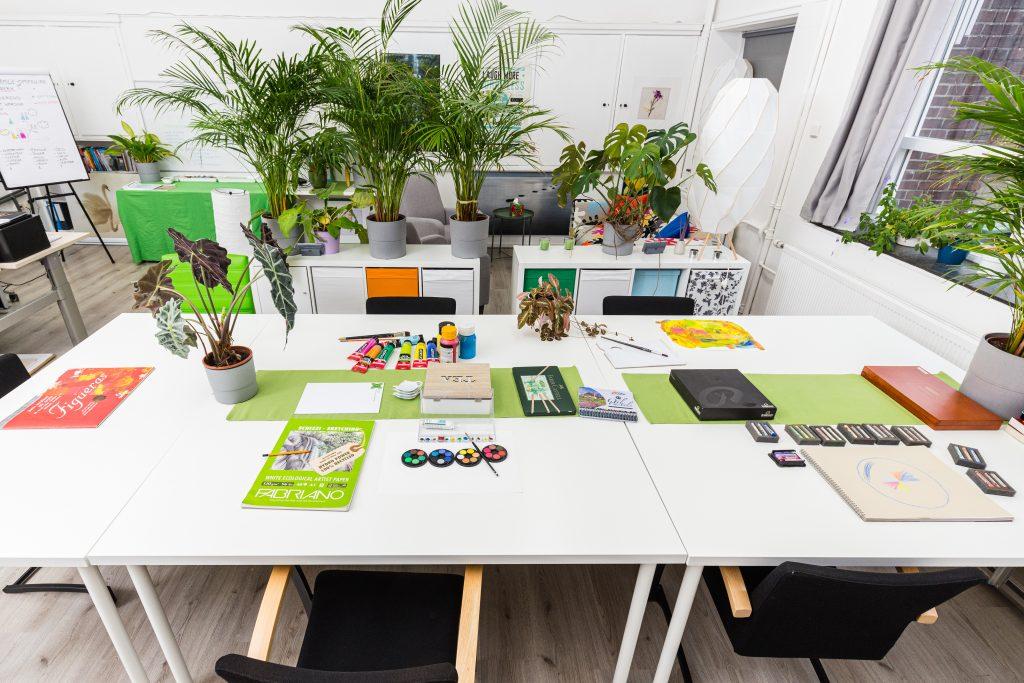 Workshop Creatief ontstressen Evelien Wieringa tekentafel